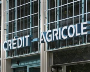 Ce banci elene prezente si in Romania lupta pentru preluarea Emporiki