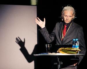 Julian Assange si