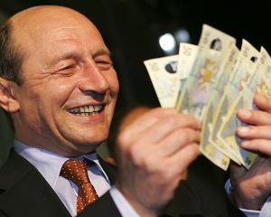 Basescu: Reducerea costurilor bugetare continua si in 2012