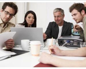 Sfaturi pentru sefii prea apropiati de angajatii lor
