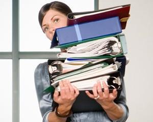 Studiu: Angajatii care lucreaza peste program nu sunt mai putin fericiti decat ceilalti