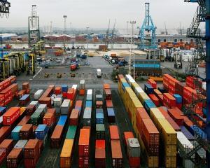 Au crescut schimburile comerciale intre Romania si Emiratele Arabe Unite