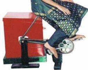 Masina de spalat cu pedale, o noua inventie eco