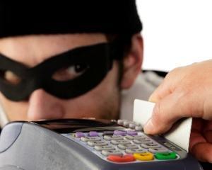 Un roman din Marea Britanie a furat 3 milioane de lire sterline din bancomate