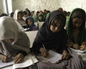 UNESCO: Conflictele armate ameninta viitorul a 28 de milioane de copii