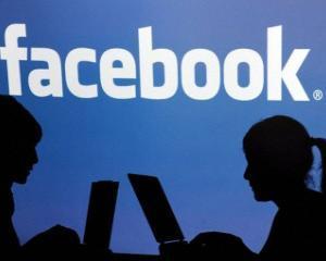 Frecventa postarilor pe Facebook iti dezvaluie personalitatea