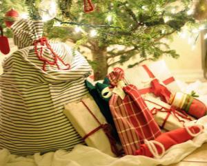 Nu-ti place cadoul primit de Craciun? Scoate-l la vanzare pe internet!