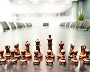 Editorial Amalia Sterescu: Strategia de business - Stop si de la Capat