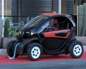 SPANIA: Renault ofera gratuit fiecarui client de Laguna sau Espace un vehicul electric Twizy