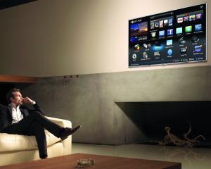 In ultimele patru luni, romanii au accesat de 100.000 de ori aplicatiile Samsung Smart TV