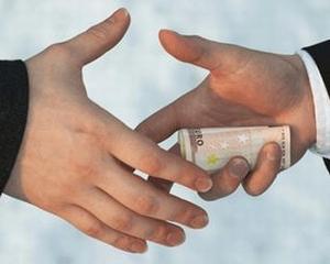 Cum se impaca economiile lumii cu nivelul coruptiei?