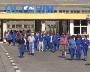 Angajatii Oltchim vor relua activitatea dupa ce au primit avansul pe luna august