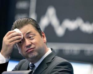 Bursa de la Bucuresti se face tot mai rosie