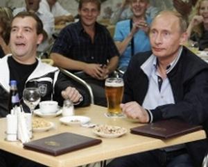 Rusii beau din nou bere