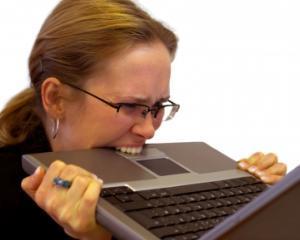 Computerele, vinovate de stresul dintr-un cuplu
