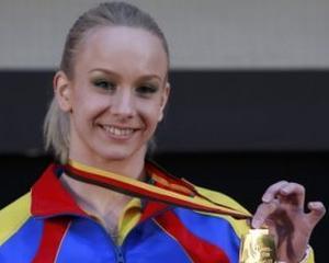 Medalia de aur, dublu salt in Romania