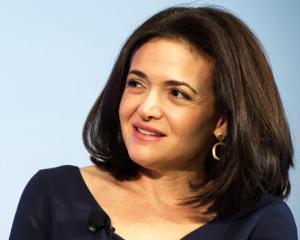 Sheryl Sandberg a refuzat postul de director executiv al Facebook pentru a avea un al doilea copil