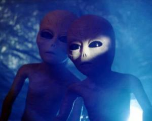 Cum pot ajuta extraterestrii (si fantomele) economia