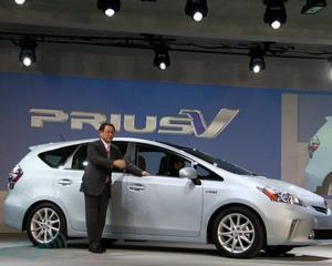 Toyota recheama 100.000 de modele Prius cu probleme la sistemul de directie