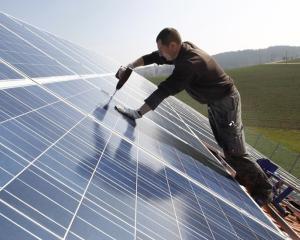 Ariston: Sistarea programului Casa Verde va duce la o scadere dramatica a cererii de panouri solare