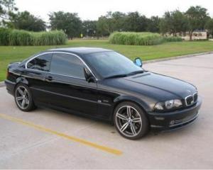 Divizia de automobile rulate a BMW intra pe piata din Romania