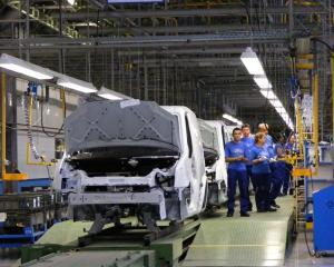 Ford Craiova, productie la capacitate maxima din 2015, dar fara respectarea tintei de angajari
