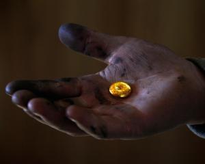 ITALIA: Creste exportul ilegal de aur, argint si devize