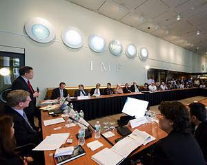 FMI vede un pic mai bine economia mondiala