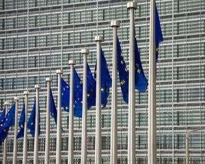 Job de 3.500 de euro pe luna la Bruxelles: Coordonator de strangere de fonduri