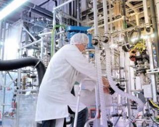 Coraci, UGIR-1903: 20.000 de oameni din industria chimica vor fi concediati daca statul nu ia masuri ferme de relansare a economiei