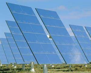 Warren Buffett investeste peste 2 miliarde de dolari in energia solara
