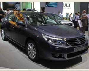 Renault are in sfarsit o berlina premium de clasa mare