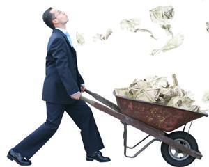 HSBC: Nu mai muriti de grija monedei euro, ci de cea a dolarului