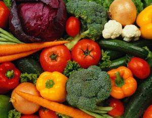 Fructe si legume cu chimicale: Cat de nocive sunt si ce masuri putem lua?