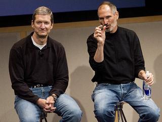 Daca preia sefia Apple, Tim Cook devine cel mai puternic homosexual din industria IT