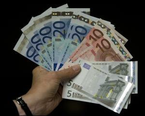 Aveti o micro-intreprindere? Sunteti PFA? Puteti lua un imprumut de 25.000 de euro, cu sprijinul CE