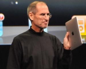 eMag livreaza primele 80 de tablete iPad 2