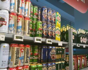 Tactici la raft: Consumatorii aleg produsele plasate central