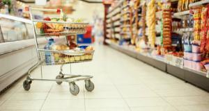 Consumul din magazine a produs 7 miliardari in euro in 2017. Iata la cine se duc banii romanilor