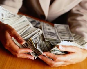Barbatii cheltuiesc mai multi bani decat femeile pentru intalnire