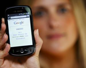 Studiu Saatchi: Publicitatea mobila nu mai este la fel de ieftina ca pe vremuri