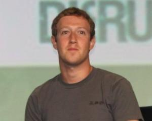 Misterul tricoului purtat zilnic de unul dintre cei mai influenti oameni din social media
