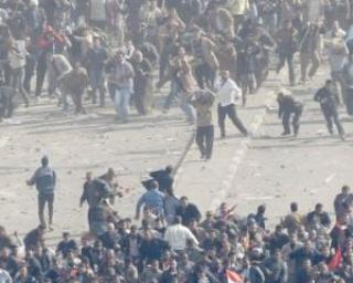 VIOLENTE IN EGIPT: Confruntari intre sustinatorii si opozantii presedintelui egiptean, la Cairo
