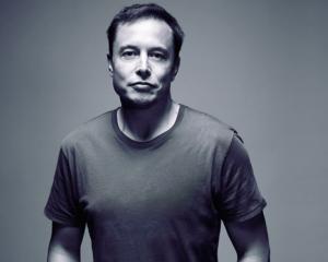 Antreprenorul Elon Musk a castigat 2012 Breakthrough Leadership Award, acordat de revista Popular Mechanics
