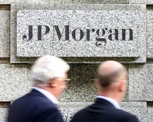 Fitch a retrogradat banca americana JPMorgan dupa ce aceasta a anuntat pierderi de 2 miliarde de dolari