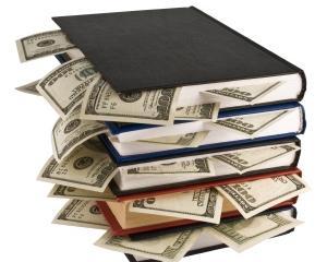 Un barbat din Marlborough a gasit 20.000 de dolari intr-o carte veche si vrea sa-i returneze proprietarului