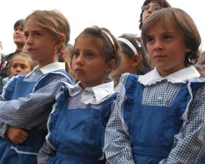 Scolile si liceele vor primi atestate privind calitatea educatiei