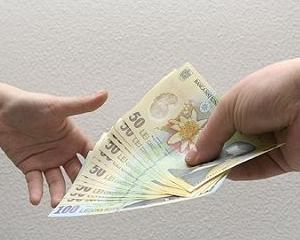 Salariul mediu net din luna mai a fost de 1.458 lei