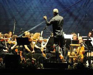 Trei voci extraordinare si un turneu al maiestriei pe scenele romanesti