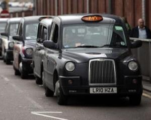 Geely investeste 151,7 milioane de dolari in producatorul celebrelor taximetre negre din Londra